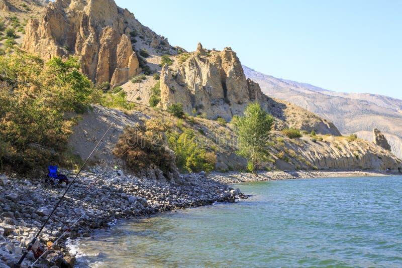 Tortum uzundere湖在夏时在埃尔祖鲁姆,土耳其 库存图片