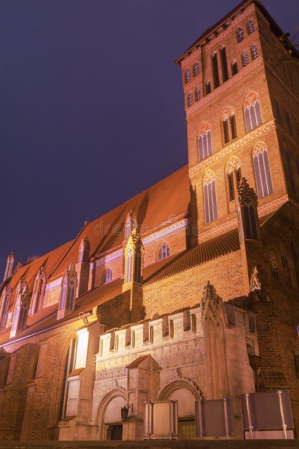 2017 10 20 Toruński, Polska, gotyka urząd miasta w wierza Toruńskim, dziejowym budynku, przy nocą obrazy royalty free