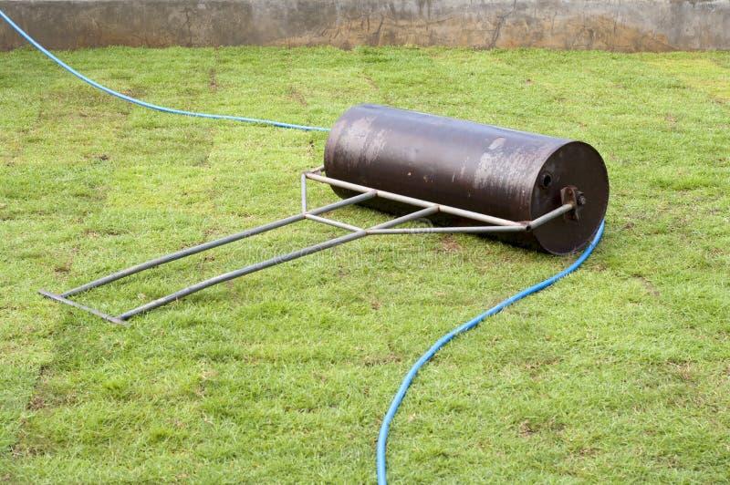 torva rullar i trädgården royaltyfri fotografi