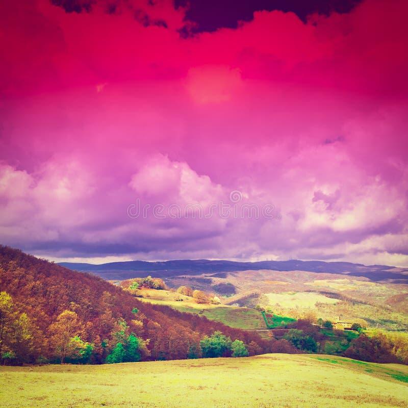 Toscana en la puesta del sol fotos de archivo