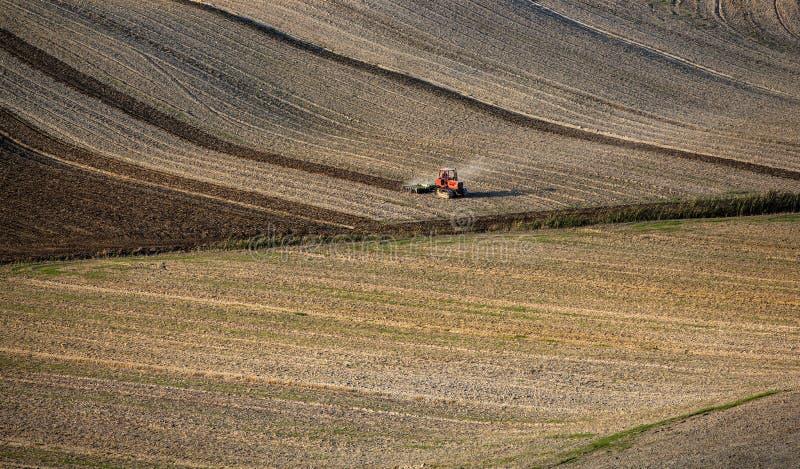 Toscana - panorama, colinas y prado del paisaje fotos de archivo libres de regalías