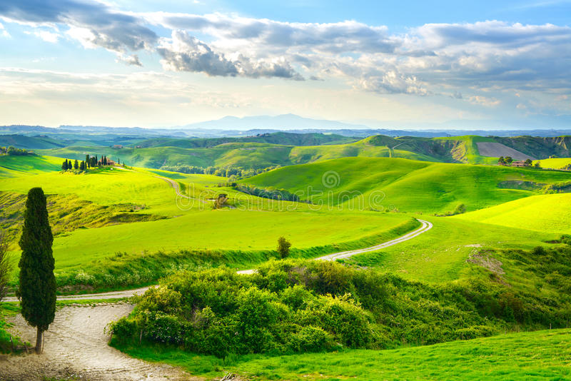 Toscanië, landelijk zonsonderganglandschap royalty-vrije stock afbeeldingen
