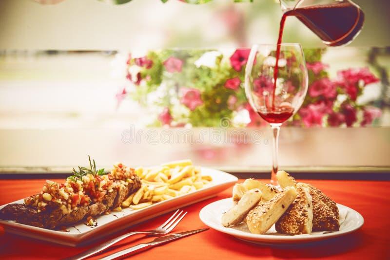 TOSKAŃSCY stek wieprzowiny kotleciki fotografia royalty free
