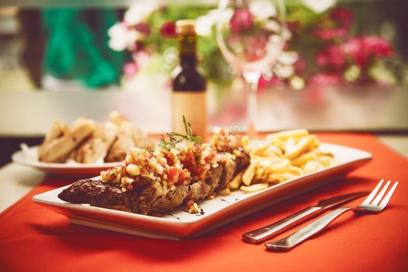TOSKAŃSCY stek wieprzowiny kotleciki zdjęcie royalty free