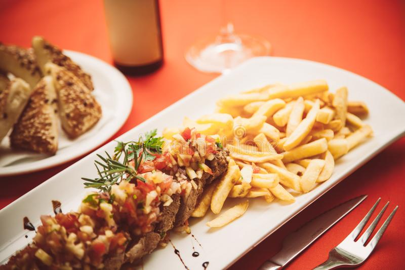 TOSKAŃSCY stek wieprzowiny kotleciki fotografia stock