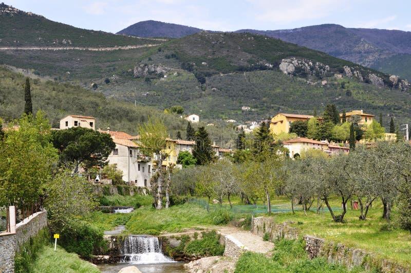 Toskana-Dorf lizenzfreies stockbild