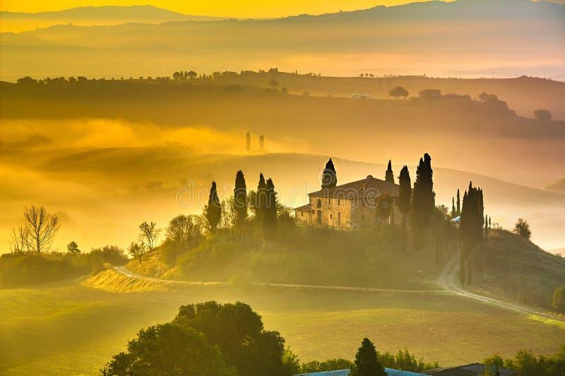 Toskana am frühen Morgen lizenzfreies stockbild