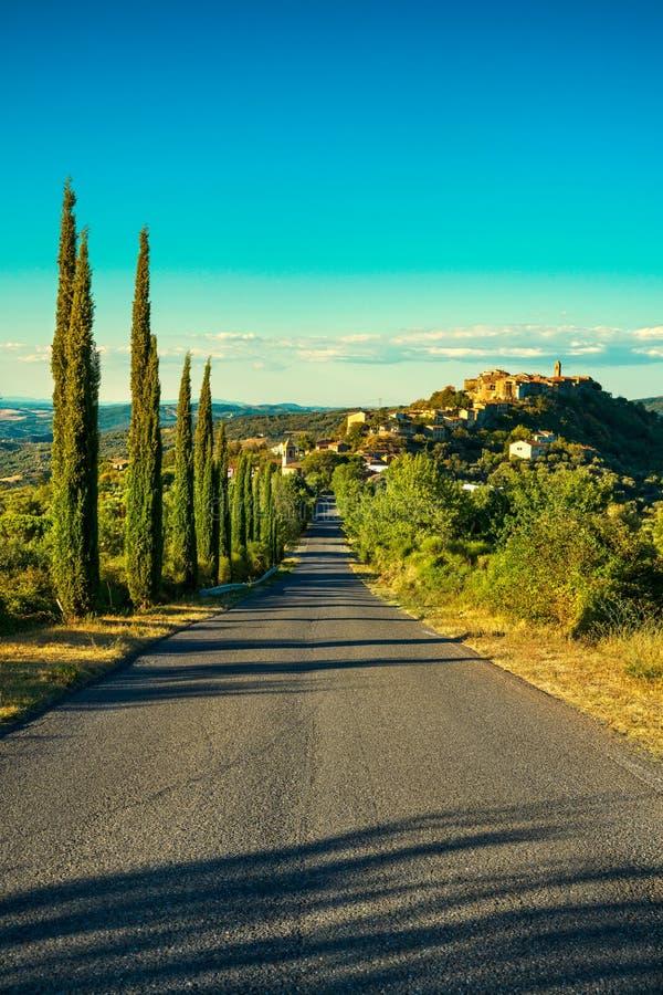 Toskana, Montegiovi-Dorf Monte Amiata, Grosseto, Italien stockfotos