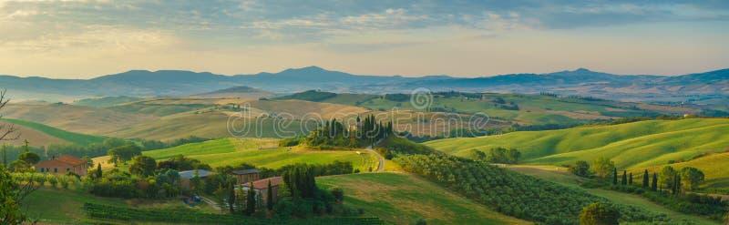 Toskana-Panorama morgens stockfoto