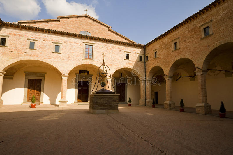 Toskanische Abtei lizenzfreies stockfoto