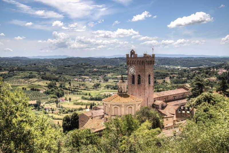Toskanka krajobraz z katedrą w San Miniato, Włochy zdjęcia stock