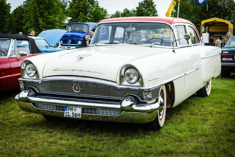 Tosquiadeira De luxe do packard do carro do vintage, 1956 fotos de stock royalty free