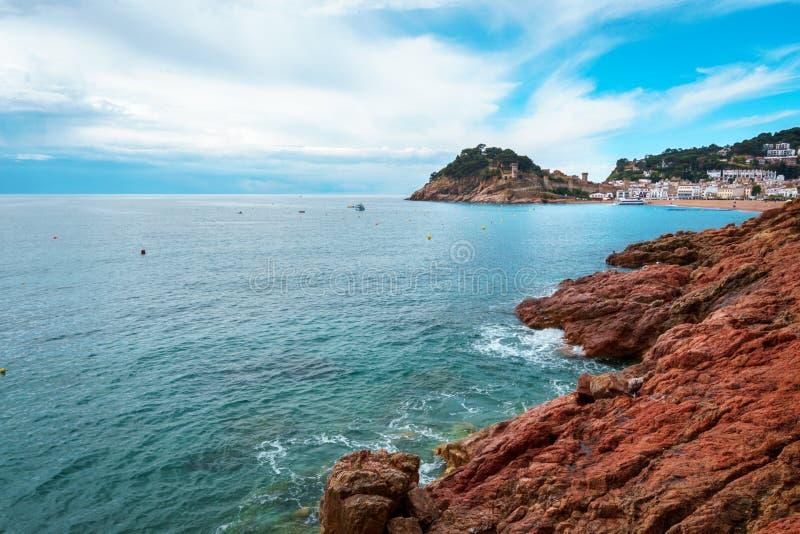 Tossa de Повреждать, Vila Vella и песчаный пляж, Коста Brava, Каталония, Испания стоковое фото rf