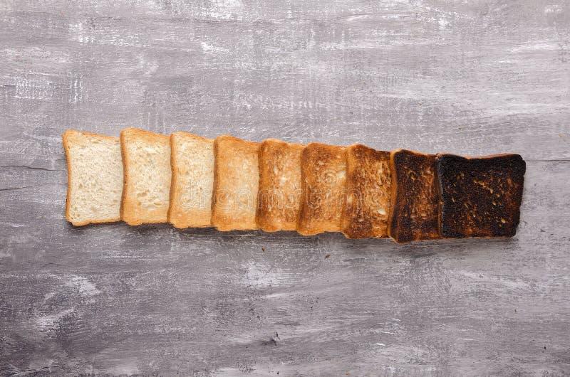 Tostada deliciosa en fondo de madera Comida sana para el desayuno foto de archivo libre de regalías