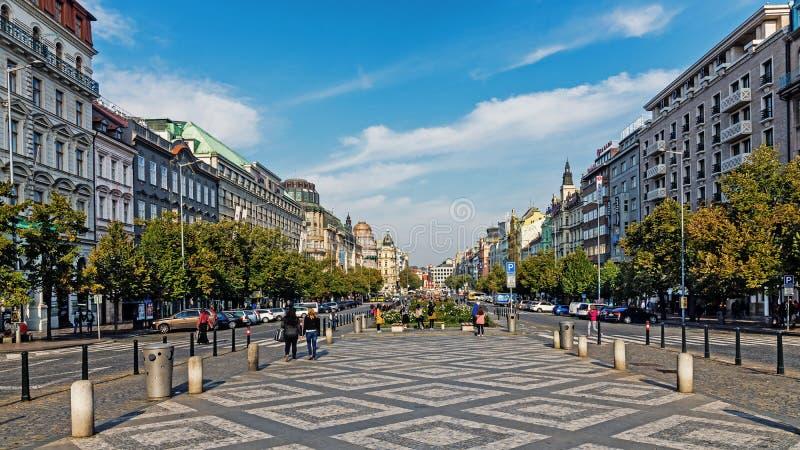 Total- sikt av Wenceslas Square royaltyfri fotografi