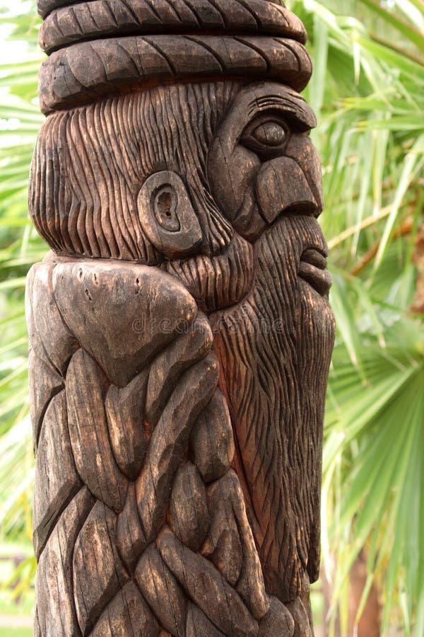 totem деревянный стоковая фотография rf