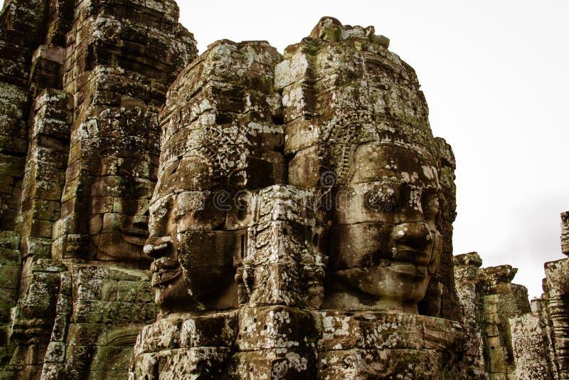 Totem dans Angkor Vat au Cambodge photos stock