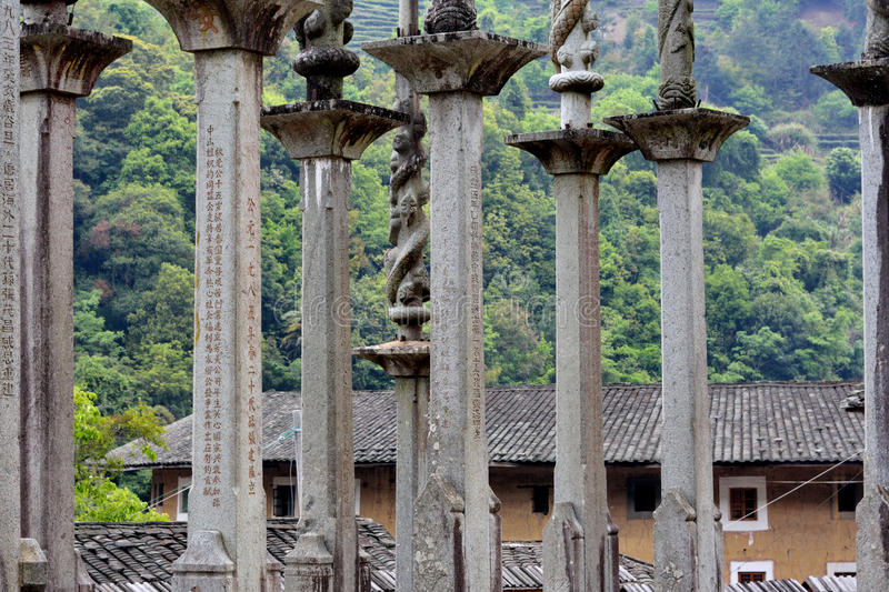 Totempfahl für Familienruhm im Land von Fujian, China