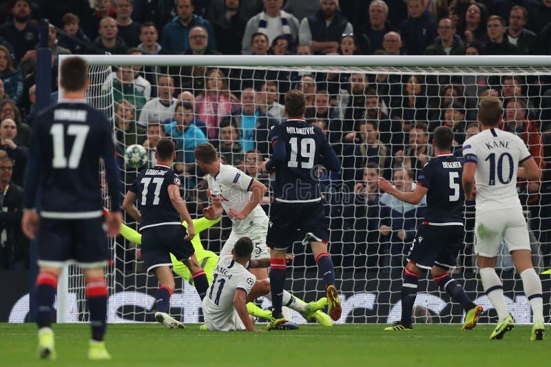 Tottenham Hotspur κατά Ερυθρού Αστέρα Βελιγραδίου - UEFA Champions League Group B Tottenham Hotspur Stadium, Λονδίνο, Αγγλία στοκ φωτογραφία