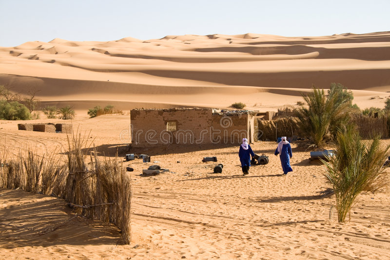 Touareg in de Sahara royalty-vrije stock foto's