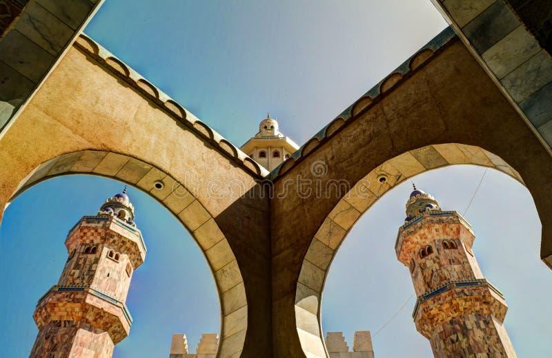 Toubamoskee, centrum van Mouridism, Senegal stock afbeeldingen