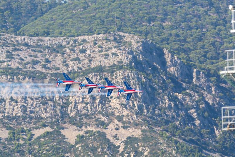 Toulon-rade, FRANKREICH - 15. August 2018: Patrouille De Frankreich aero lizenzfreie stockfotos