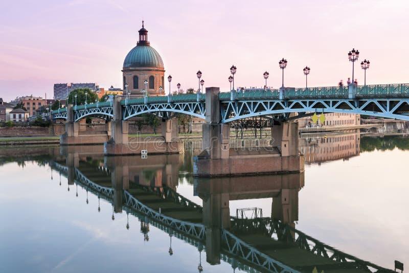 Toulouse bei Sonnenuntergang stockfotografie