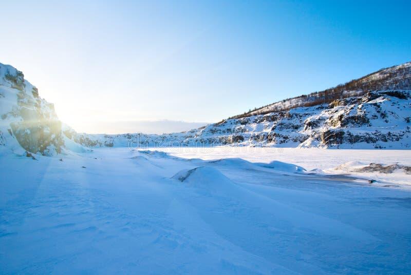 toundra de coucher du soleil de montagne photos libres de droits