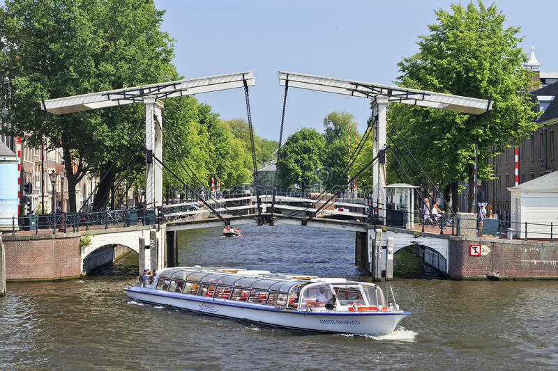 Download Tour Boat In The Amsterdam Canal Belt. Editorial Photo - Image: 29312471