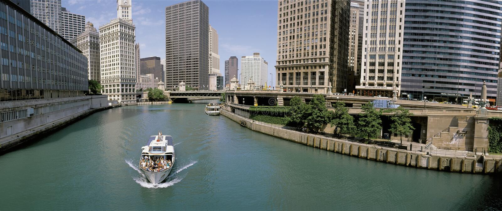 Tour boat on Chicago River royalty free stock photography