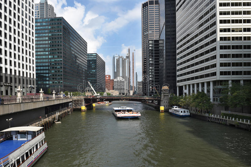 Tour Boat Chicago River royalty free stock photography