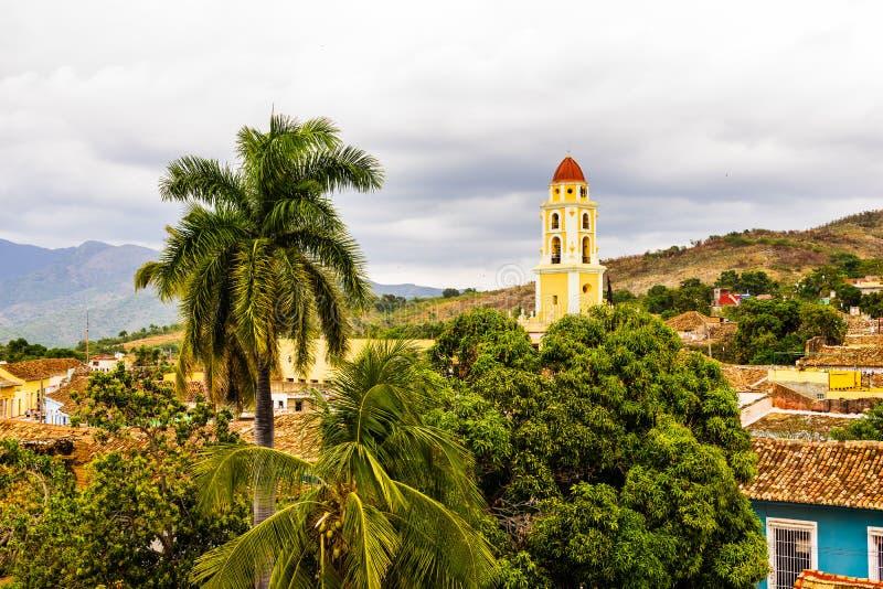 Tour d'église d'ancien St Francis de couvent d'Assisi au Trinidad, Cuba photos stock