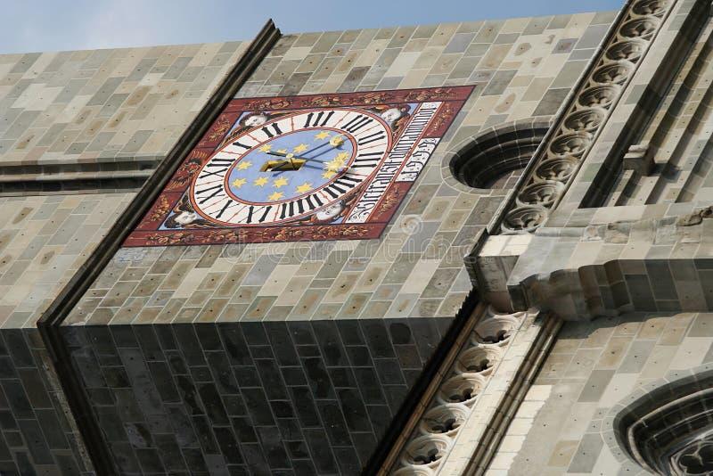 Tour d'église d'horloge photo stock