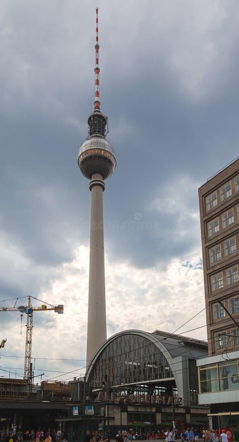 Tour d'Alexanderplatz TV image libre de droits