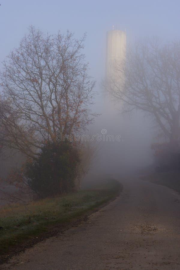 Tour d'eau mystérieuse photographie stock libre de droits