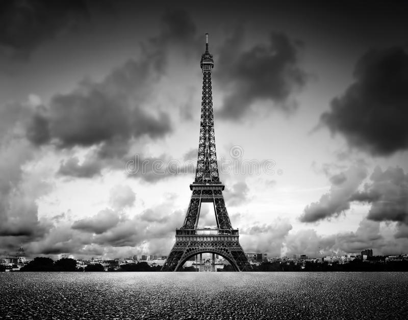 tour d 39 effel paris france noir et blanc vintage photo stock image du sightseeing. Black Bedroom Furniture Sets. Home Design Ideas