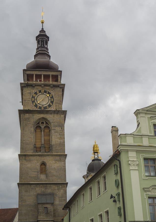 Tour d'hôtel de ville dans la ville Hradec Kralove dans la République Tchèque image libre de droits