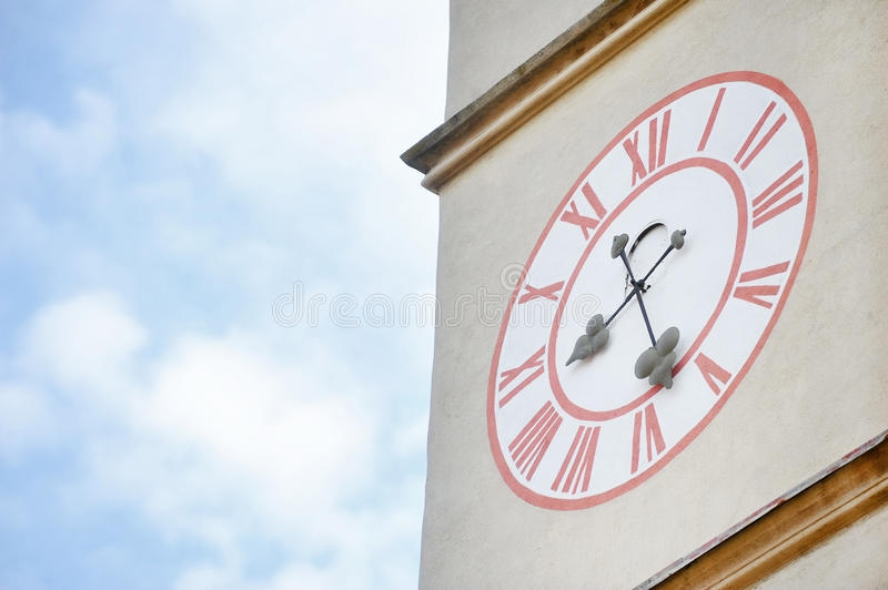 Tour d'horloge d'église images stock