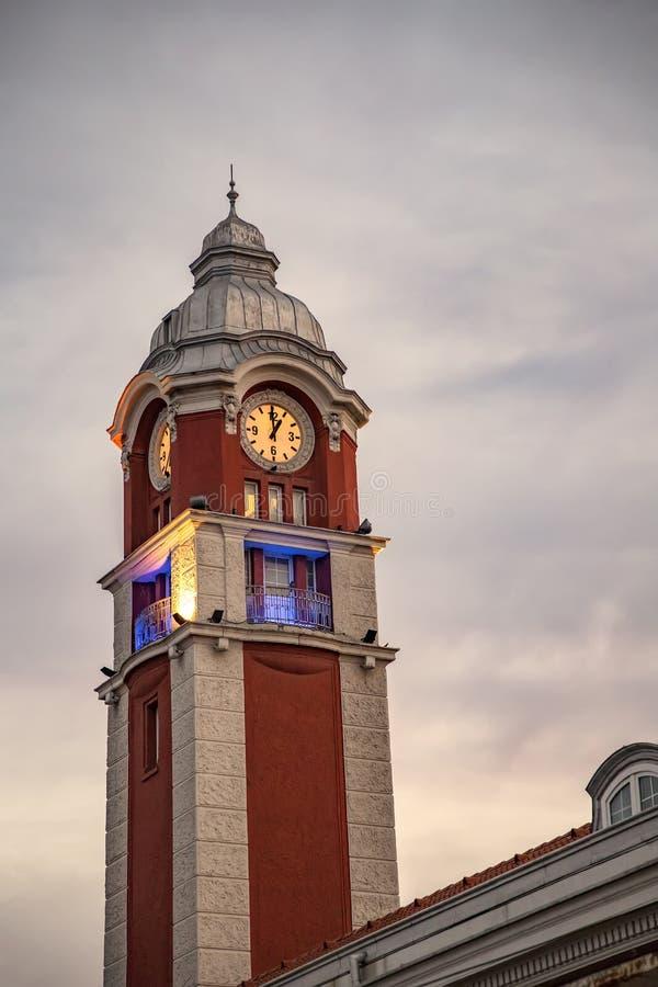 Tour d'horloge de gare ferroviaire photo libre de droits