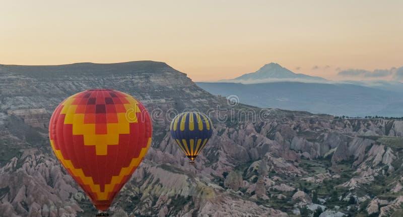 Tour de ballon de matin au-dessus de Cappadocia photo libre de droits