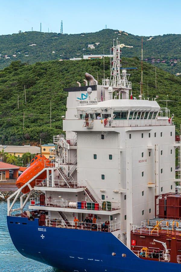 Tour de bateau industriel images stock
