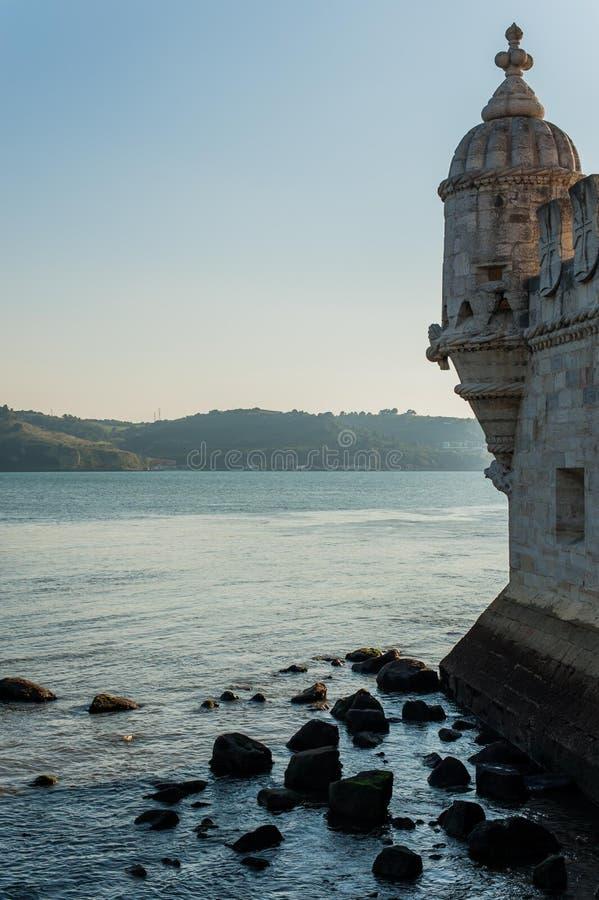Tour de Belém à marée basse photographie stock