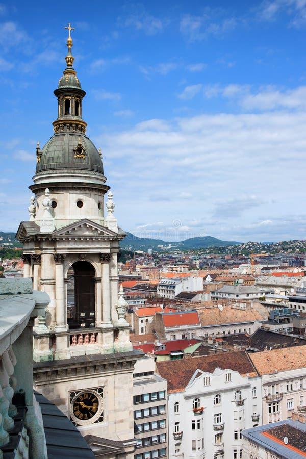 Tour de Bell de basilique de rue Stephen à Budapest photographie stock