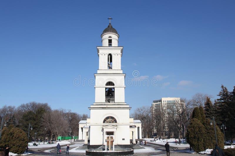 Tour de Bell de cathédrale de nativité à Kishinev ChiÈ™inău Moldau images libres de droits