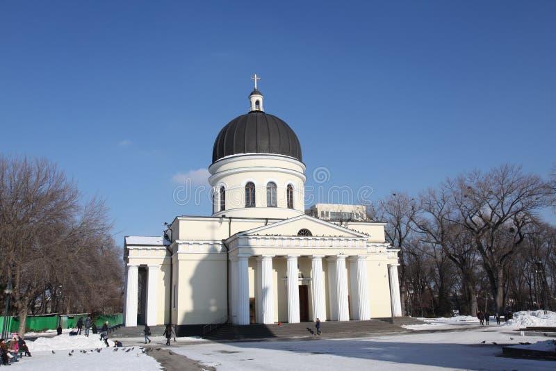 Tour de Bell de cathédrale de nativité à Kishinev ChiÈ™inău Moldau photos stock