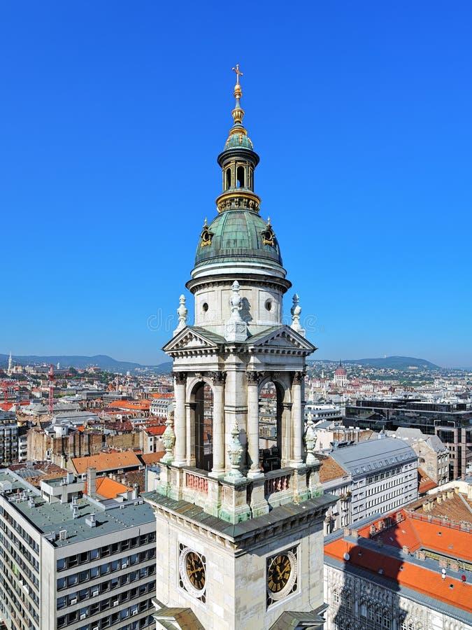 Tour de Bell de la basilique de St Stephen et vue de Budapest, Hongrie photos libres de droits