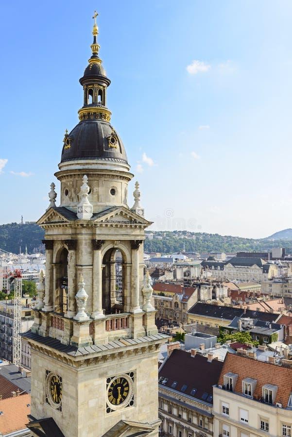 Tour de Bell de St Stephen Basilica. Budapest. Hongrie photographie stock