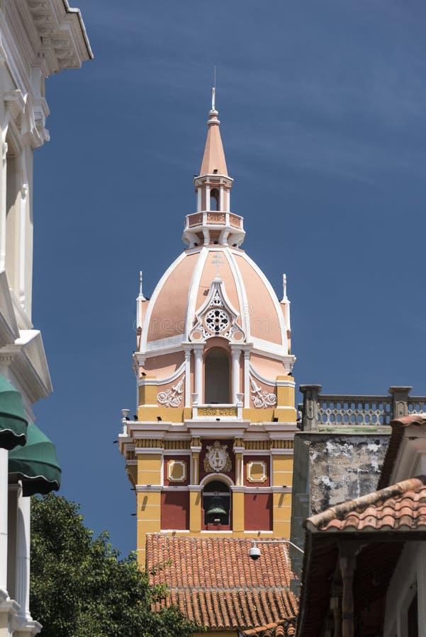 Tour de Bell et coupole du Catedral De Santa Catalina de AlejandrÃa photos libres de droits