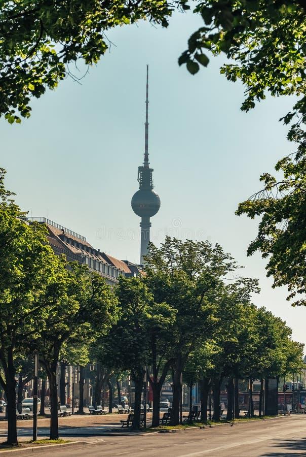 Tour de Berlin TV à l'été à Berlin photo stock