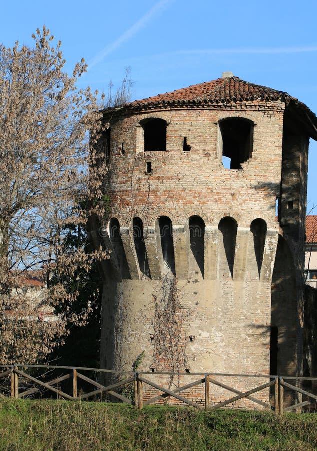 Tour de brique de VICENCE qui faisait partie des murs photographie stock